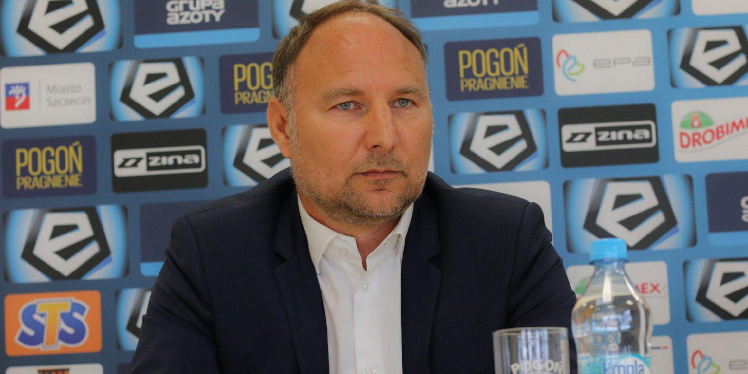 Dyrektor sportowy Pogoni Szczecin nie wyklucza transferu napastnika.