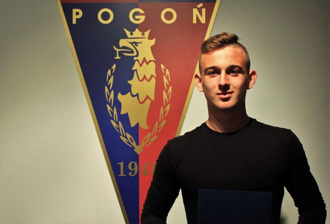 Klub dementuje plotki o transferze Kacpra Kozłowskiego