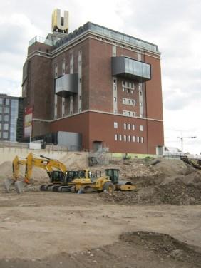 ein weiterer Bürokomplex und eine der größten Berufsschulen Deutschlands: Das Viertel wächst und gedeiht! | Bildrechte: nickneuwald
