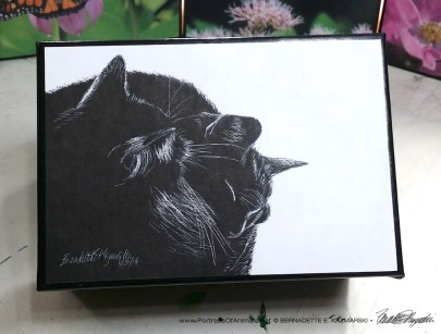 Black and Light small gift box