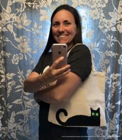 Deana models her Bella! tote bag.
