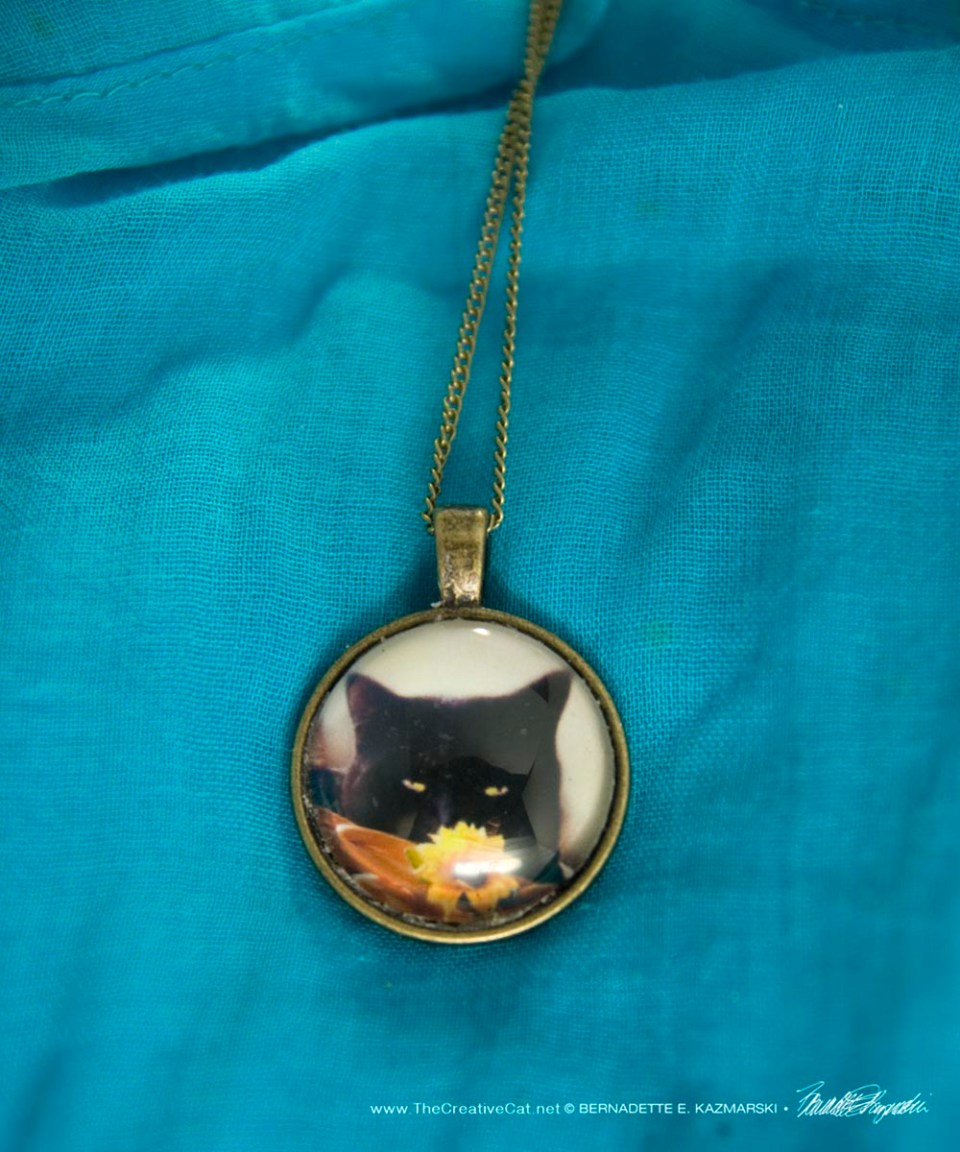 Cabochon Pendant, Flower Child