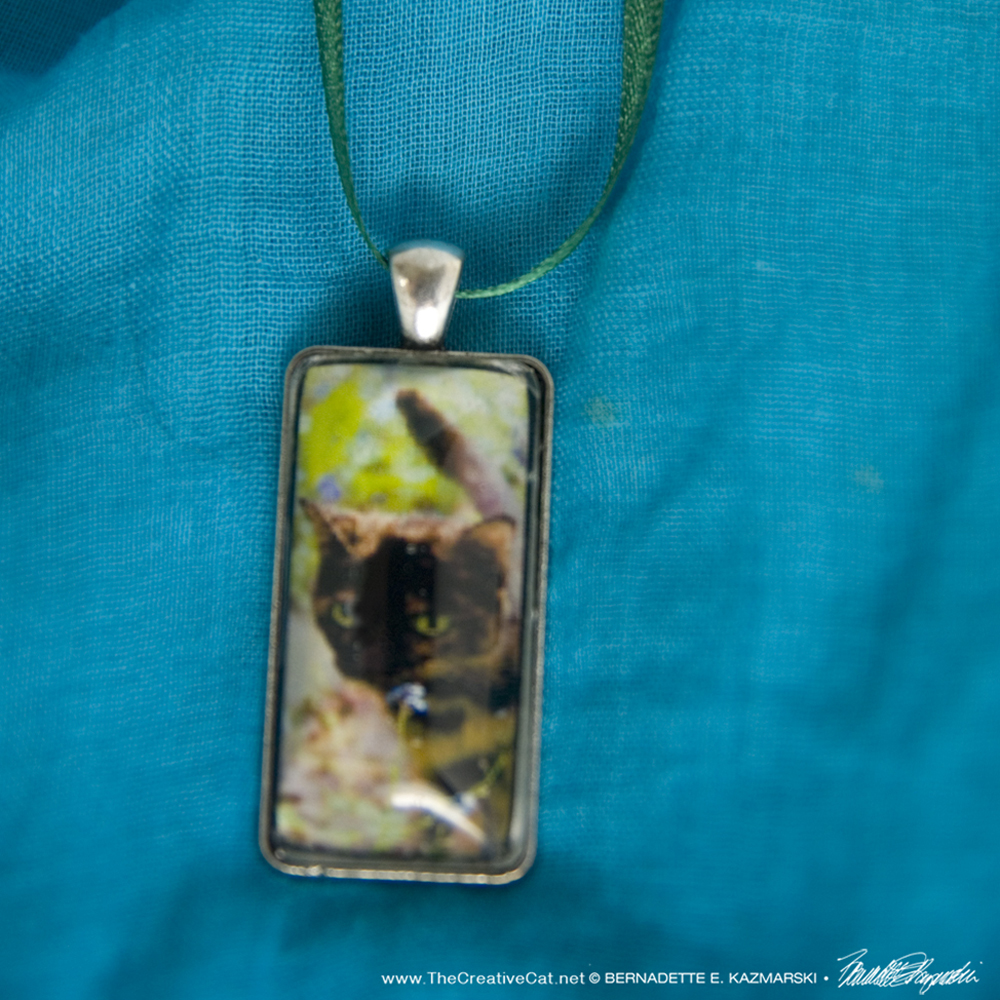 Kelly in Forget me Nots Cabochon Pendant