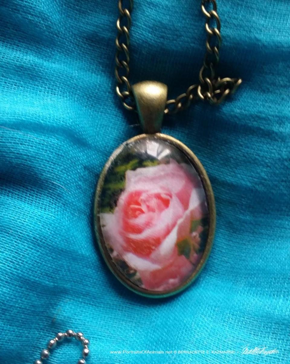 Cabochon Pendant, Pink Rose