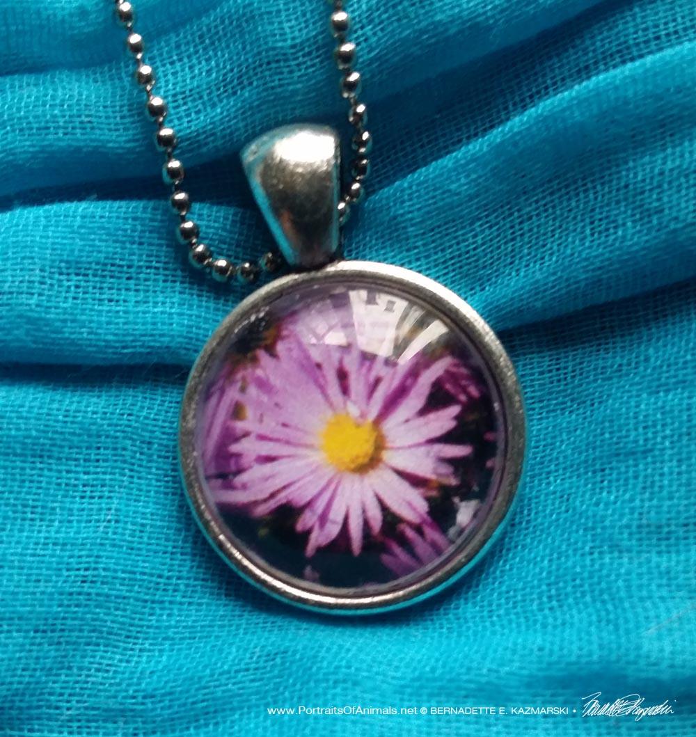 Cabochon Pendant, Purple Aster