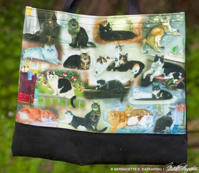 22 Cats tote bag detail