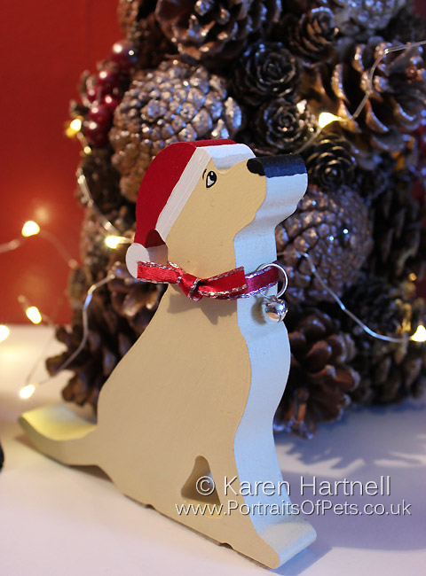 Christmas Yellow Labrador, showing silver option