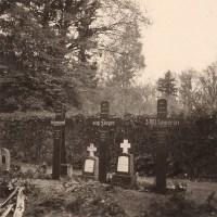 WWII German Snapshot Photo - RAF Gravestones in Germany 1939 - 1st Australian Soldier Killed in Action