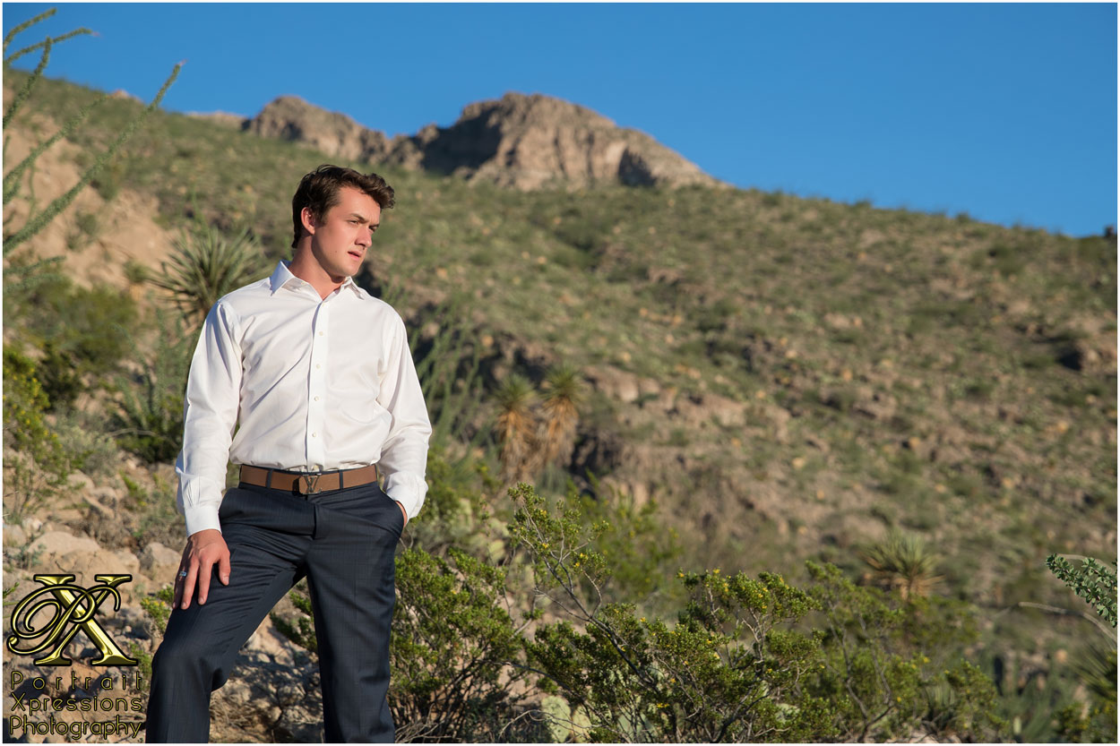 high school senior portraits at Franklin Mountains in El Paso