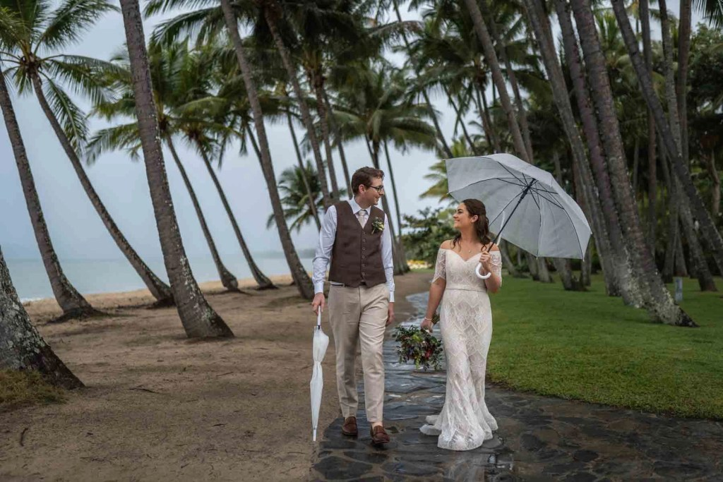 Palm Cove palm tree photo with bride and groom