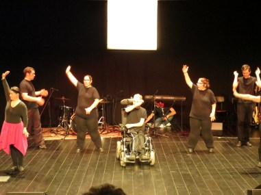 I was invited to a show put on by ARCIL - an association working with people who have disabilities / social problems