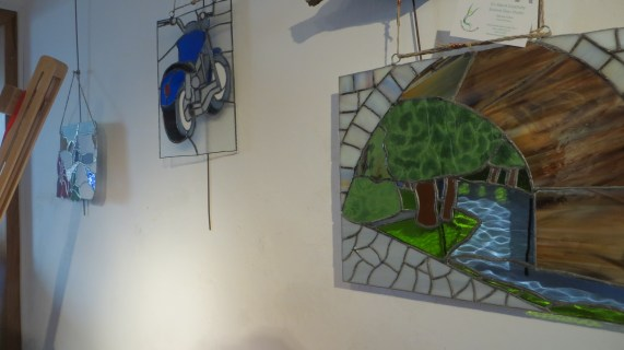 I went to the opening of Marian Tobins stained glass exhibition in Gois