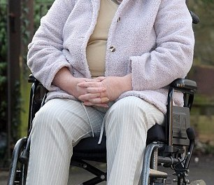 Mother is banned from her own disability tribunal… because of her wheelchair