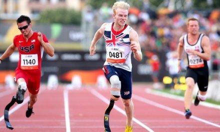 IPC Athletics: Jonnie Peacock beats Richard Browne to win gold