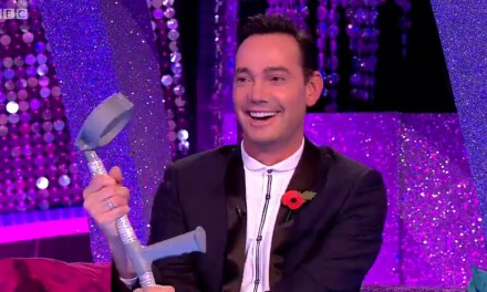 Craig Makes Crutches Cool On Strictly