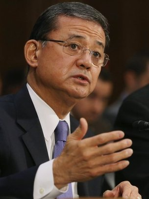 Embattled veterans chief Shinseki fights on