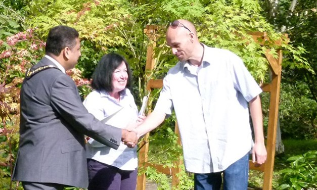 Harrow MP backs gardening service supporting disabled people into work
