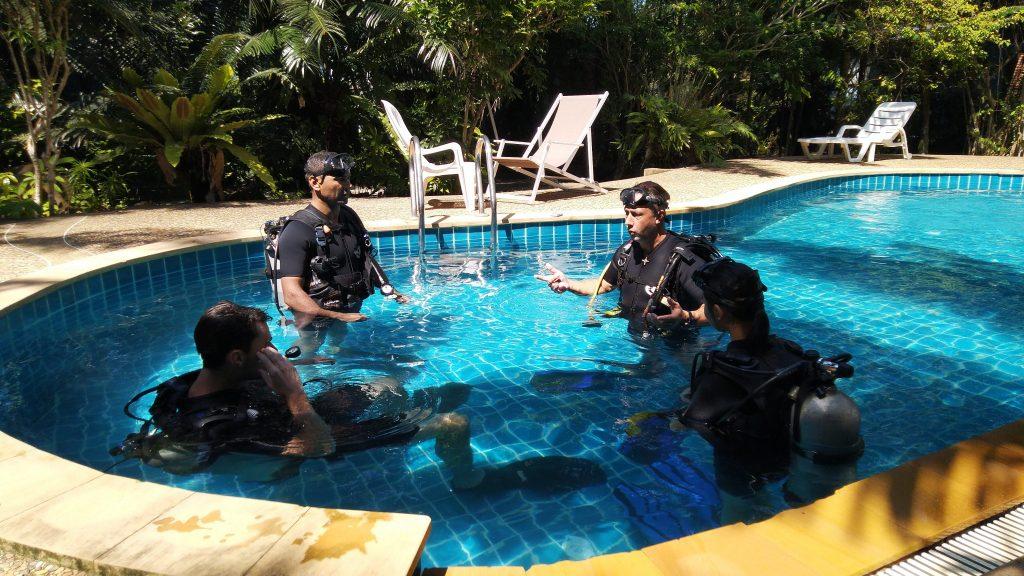 Poseidon Dive Center Dive Course Pool Tauchschule Poseidon École de plongée Poséidon