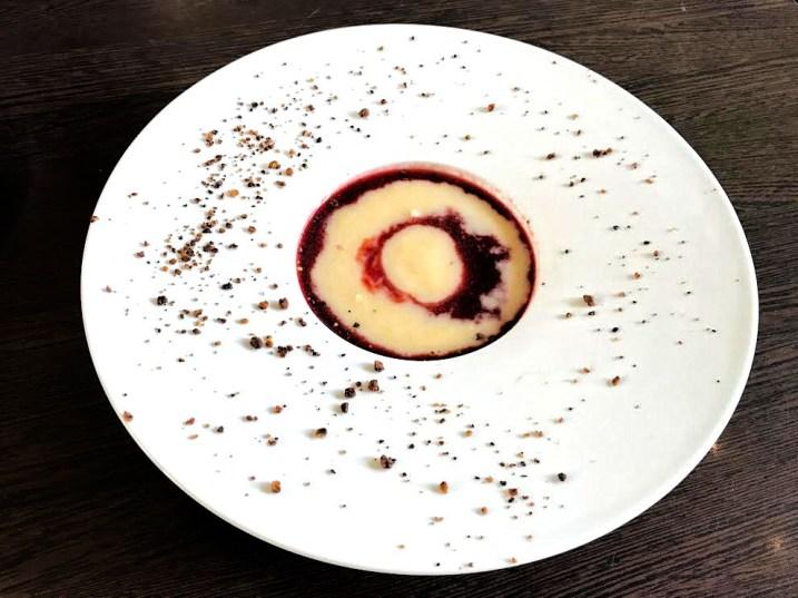 Spargel – Rote Beete Suppe – Spargel/ Rote Beete/ geröstete Nüsse