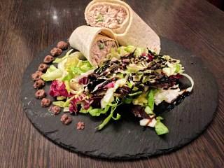 Tortilla – Thunfisch/ Majonaise/ Zwiebeln/ Oliven/ Paprika