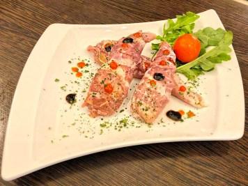 Birnen Pikant – Birnen/ Prosciutto/ Chili/ bunter Salat