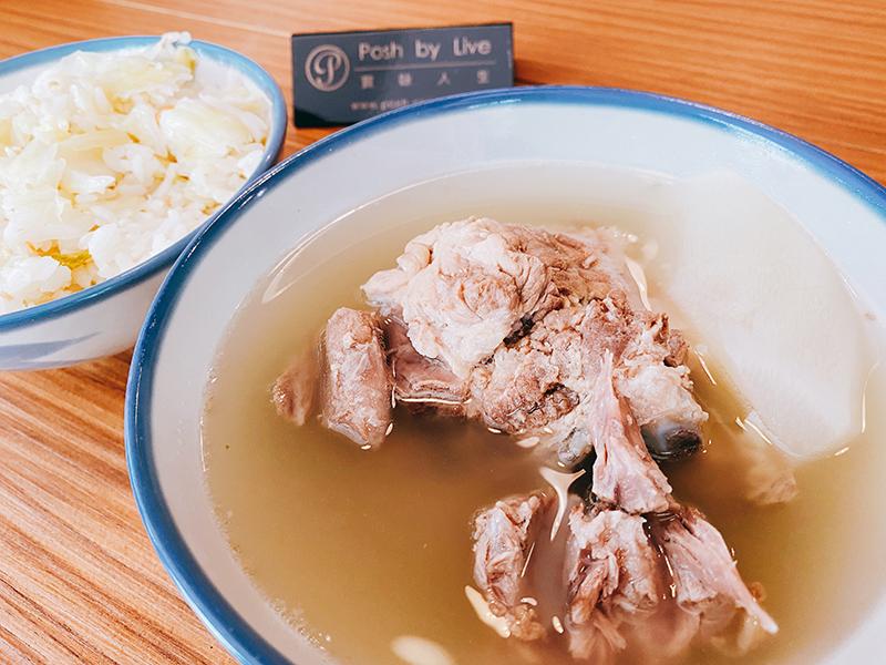 台北中山區排骨湯,高麗菜飯