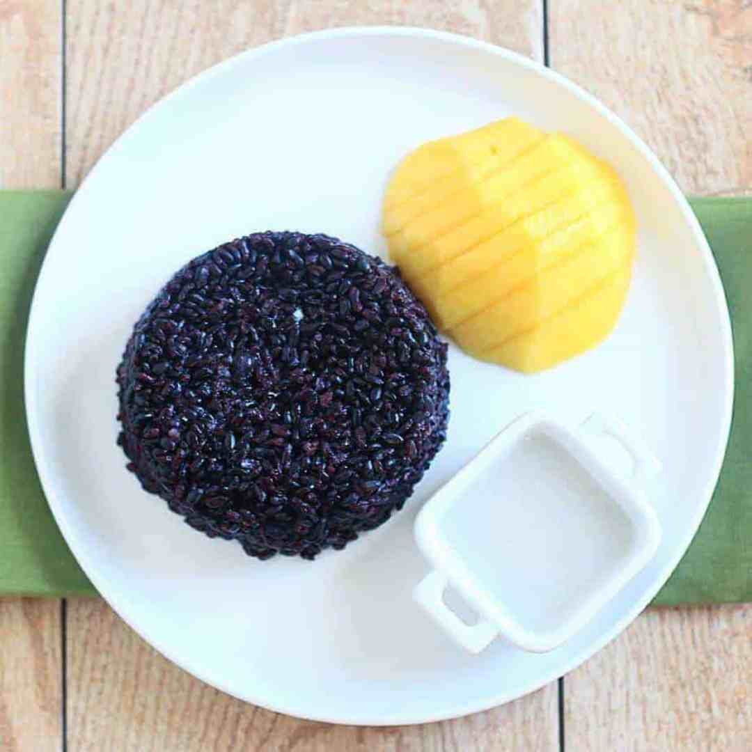 Black Sticky Rice with Mango