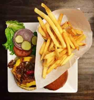 Dave & Buster's Hamburger