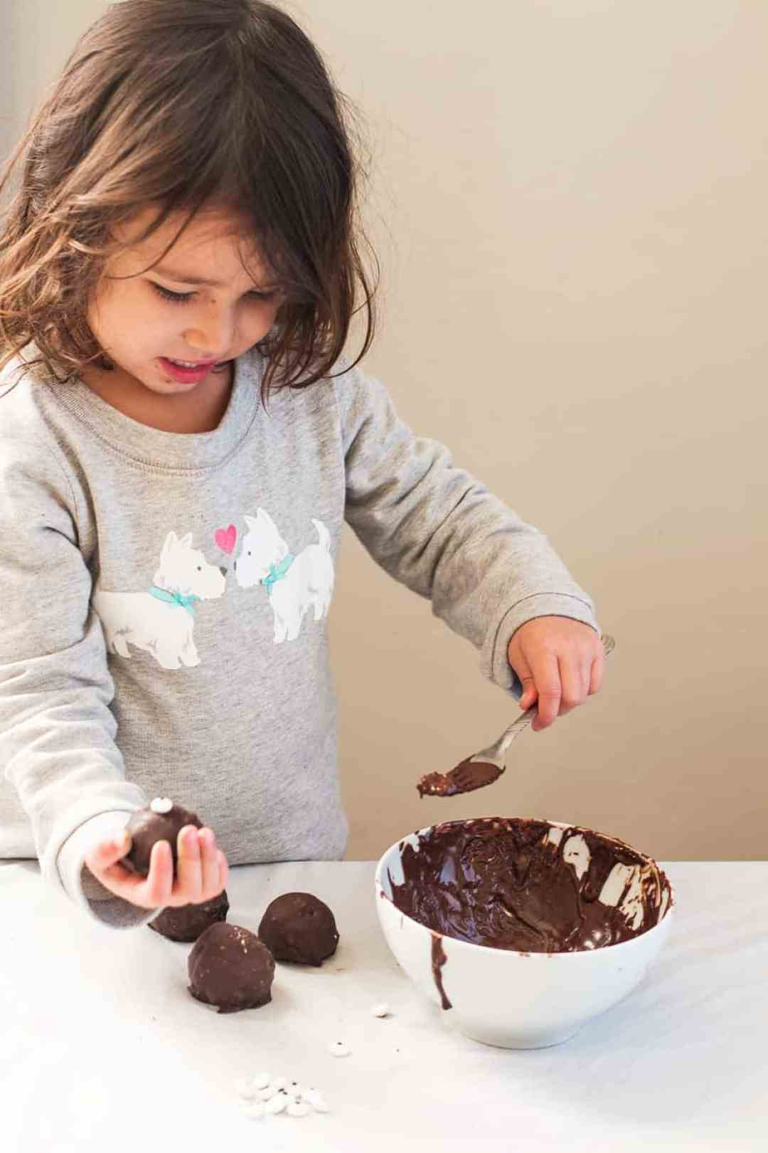 kids-oreo-cookie-balls-recipe