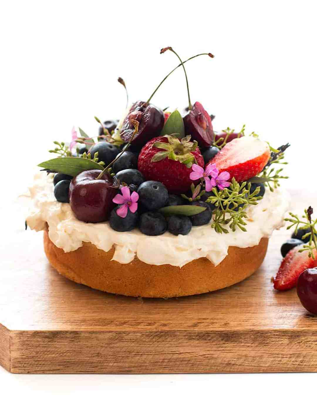 easy-vanilla-cake-cream-cheese-frosting