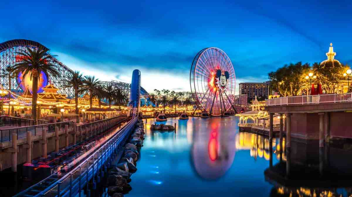 Things to Do in Anaheim + Best Place to Stay #CountryInns + Giveaway