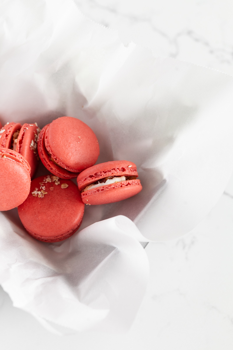 A recipe for apple crisp macarons and a macaron cake for fall dessert menus | Posh Little Designs