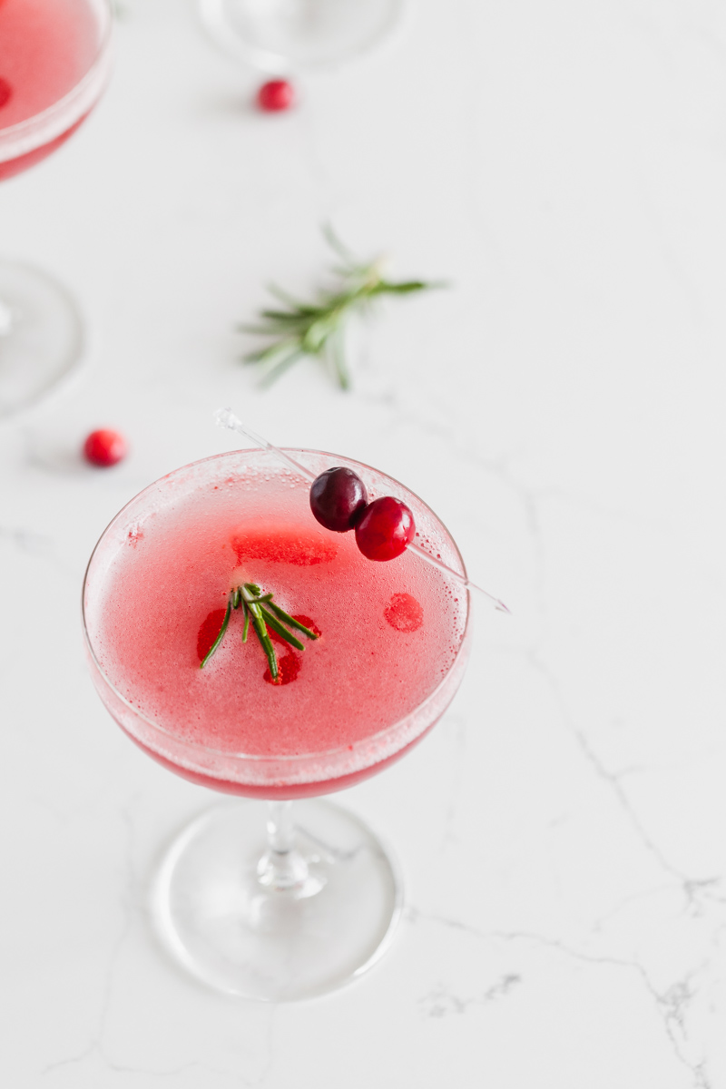 cranberry_cocktails_recipes_bellini_christmas_recipes_beverages_bellini