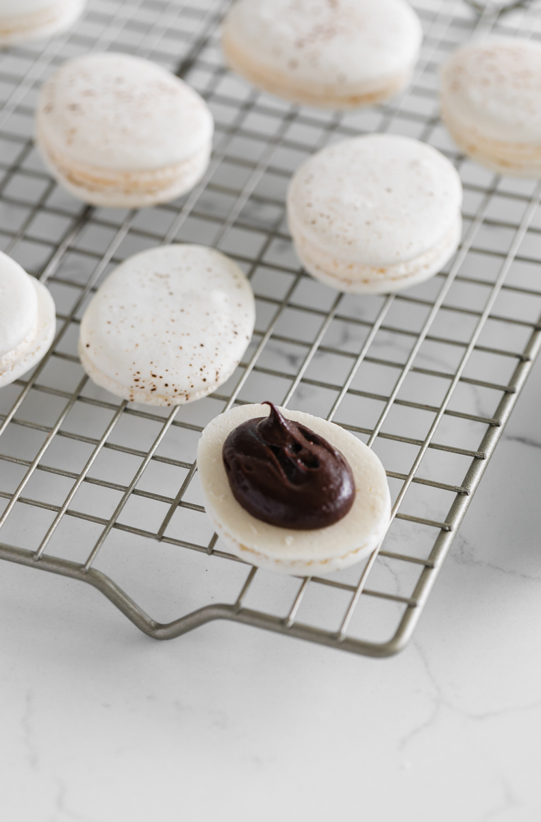speckled_egg_easter_macarons_peanut_butter_chocolate_recipe_baking