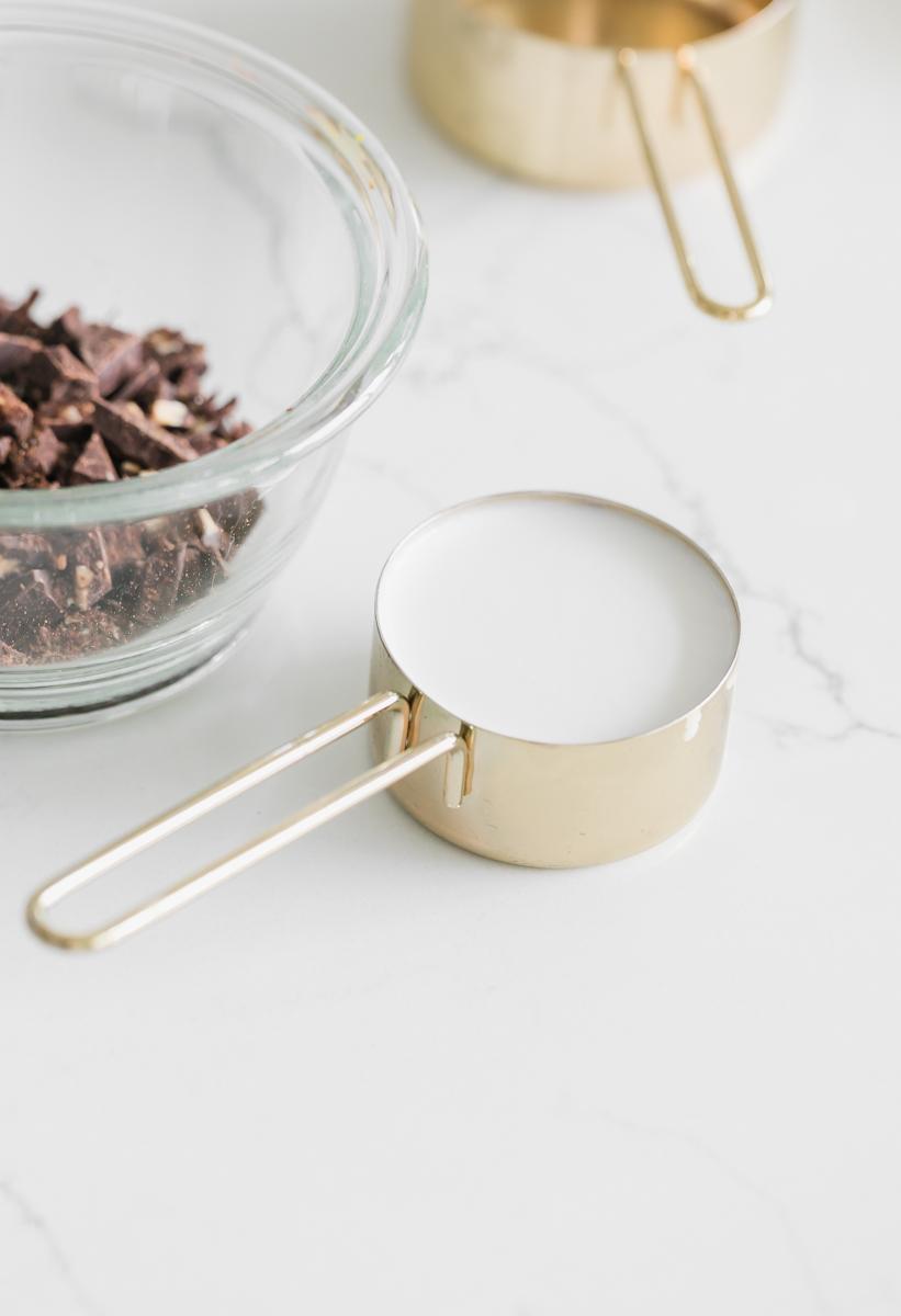 mini_french_macaron_cereal_trends_breakfast_dessert_recipes_chocolate_ganache