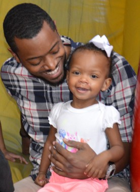 Aria and Daddy ... aww :)