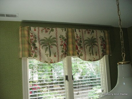 Colorful Palm Tree Print Valance with Plaid