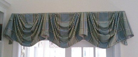 Empire Valance in Silk Plaid, no tails