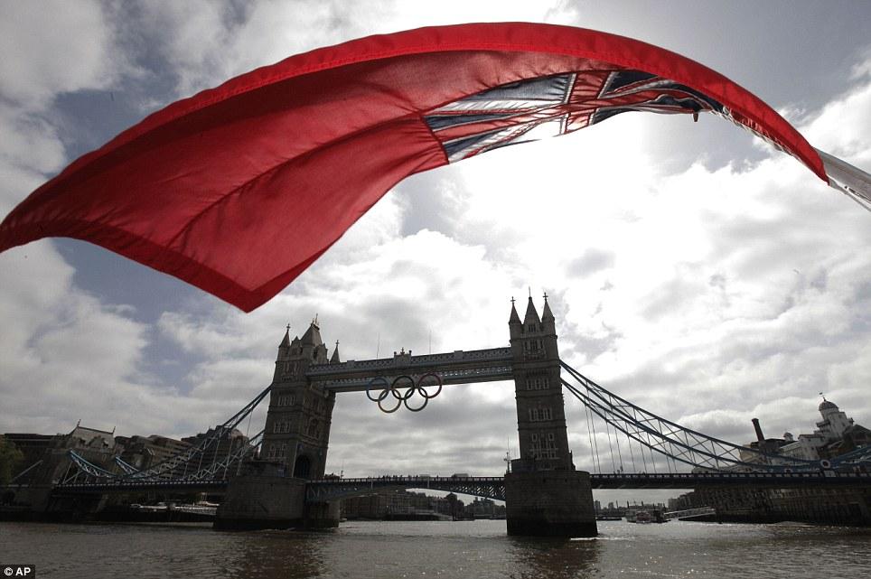 Olympic Rings on Tower Bridge (4/4)
