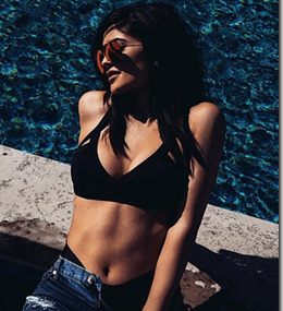 Kylie Jenner Shuts Haters Up, Looking Beautiful