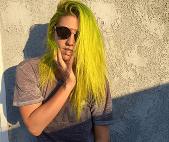 Kesha Sports New Vivid Lime Green Hair & It's Sexy!