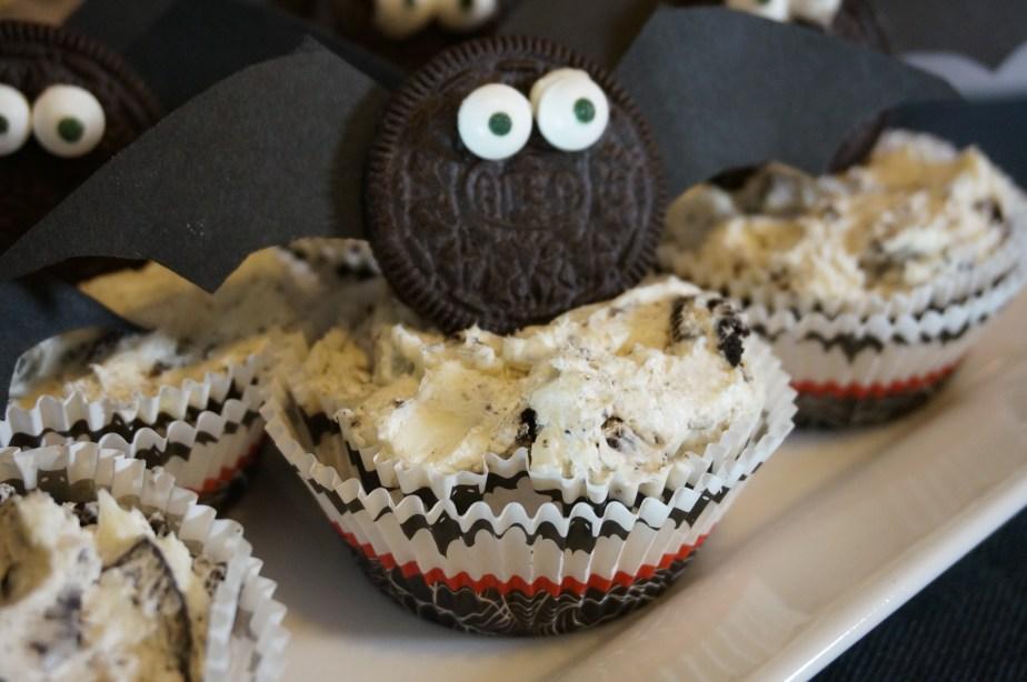 Just Plain Batty No-Bake OREO Cheese Cakes #SpookySnacks