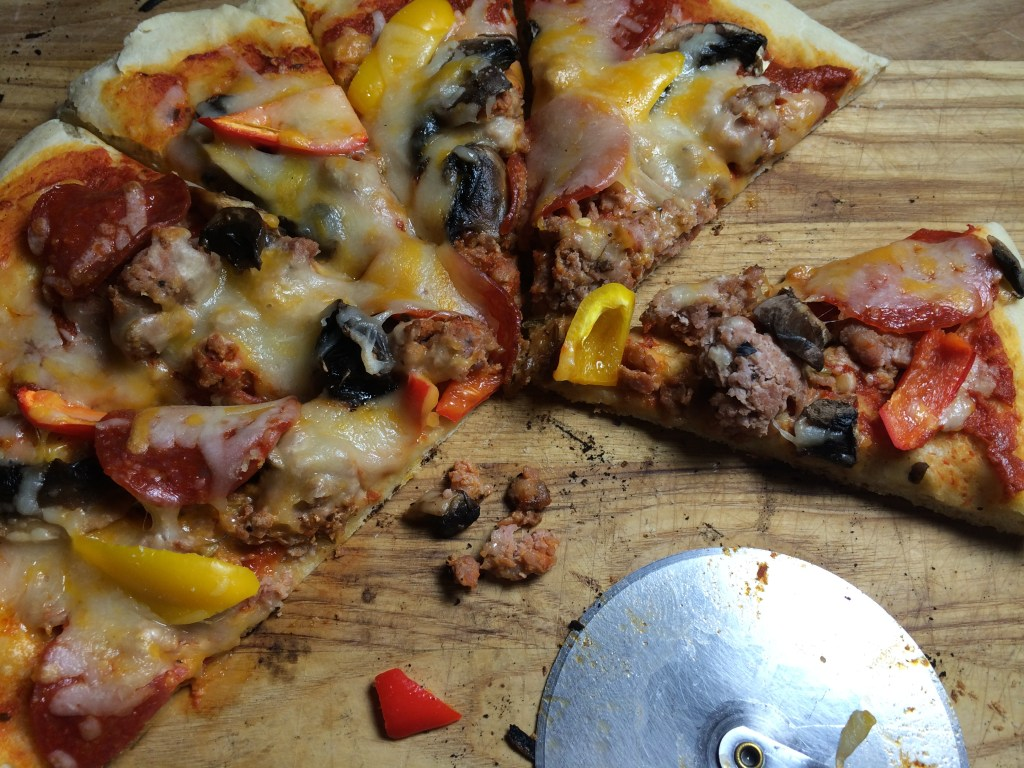 BBQ Pizza is so Easy with my Pampered Chef Pizza Pans