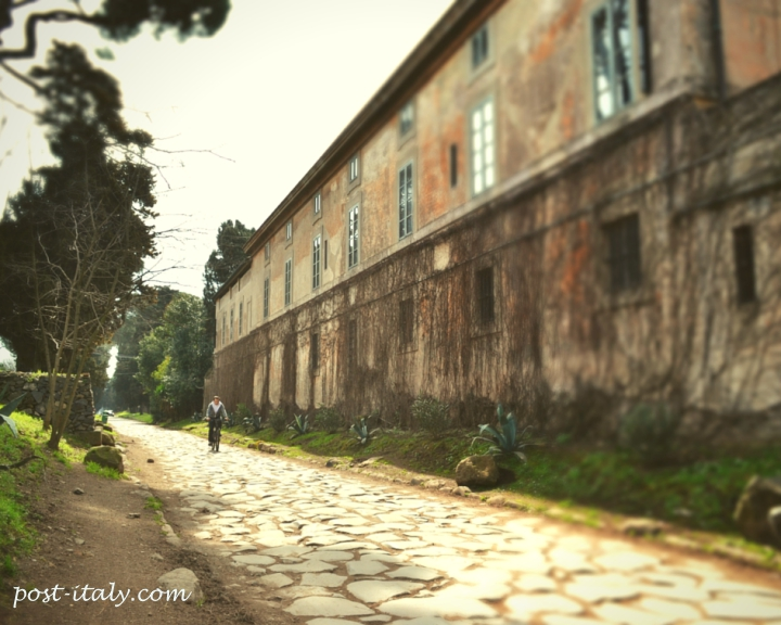 ciclista via appia
