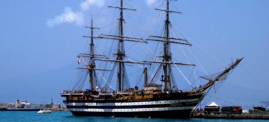 navio Amerigo Vespucci