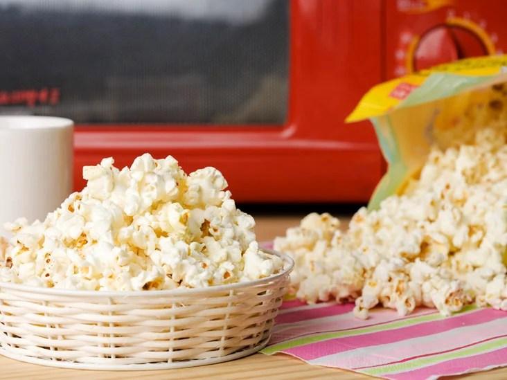 https www healthline com health microwave popcorn cancer