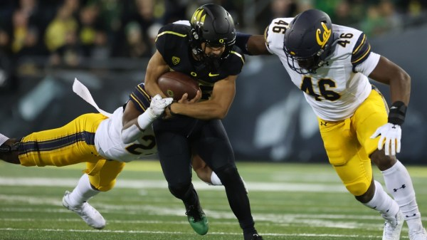 No. 9 Oregon rallies past Cal, then holds on for win