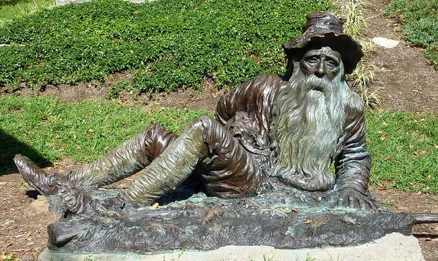 new-york-irvington-rip-van-winkle-statue