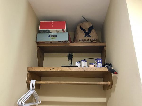 Pioneer Woman's lodge closet shelves