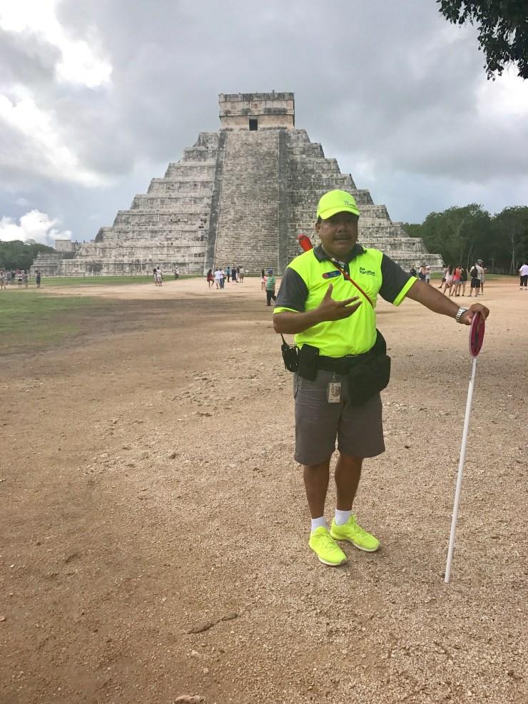 Chichén Itzá tour guide, Mexico